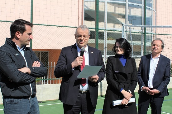 Swiss Ambassador Adrian Maître (centre) with Mayor of Tirana Erion Veliaj (left) at the inauguration of sport facilities in the suburb of Kashar.