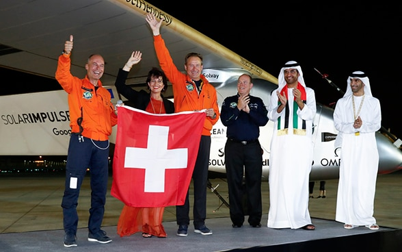 Swiss Vice-President Doris Leuthard welcomes Solar Impulse in Abu Dhabi