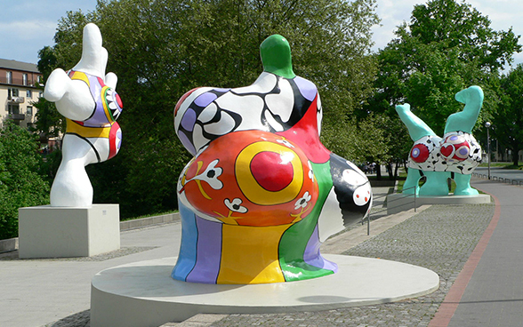 Nanas by Niki de Saint Phalle at the Leineufer in Hanover