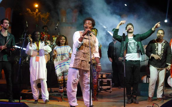 The project ambassador of Democracy Without Borders performed in Egypt for the Nile Project. © SDC